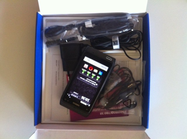 Nokia N8 Kutu İçeriği