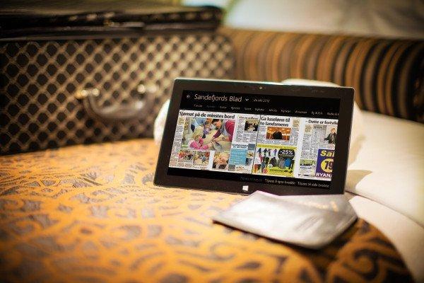 Shangri-La'da, PressReader uygulaması açık bir tablet