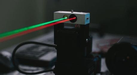 Facebook uzak mesafede lazerle iletişim üzerinde çalışmaya başladı