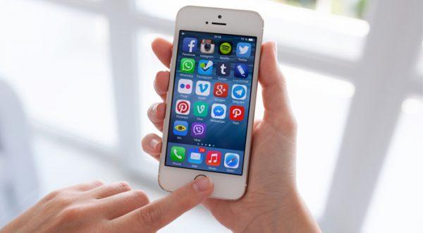 Apple, iPhone'da kullandığı ekran teknolojisini Samsung'un isteğiyle değiştiriyor