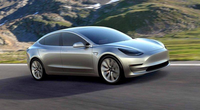 2017'de teslimatına başlanacak Model 3'teki piller Gigafactory'de üretilecek.