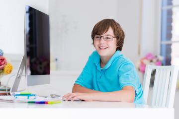 Çocuklara özel 15 online kod yazmayı öğrenme servisi