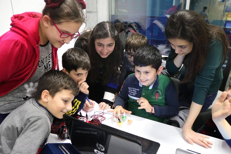 Coderdojo Türkiye'nin düzenlediği eğitimlerden bir kare