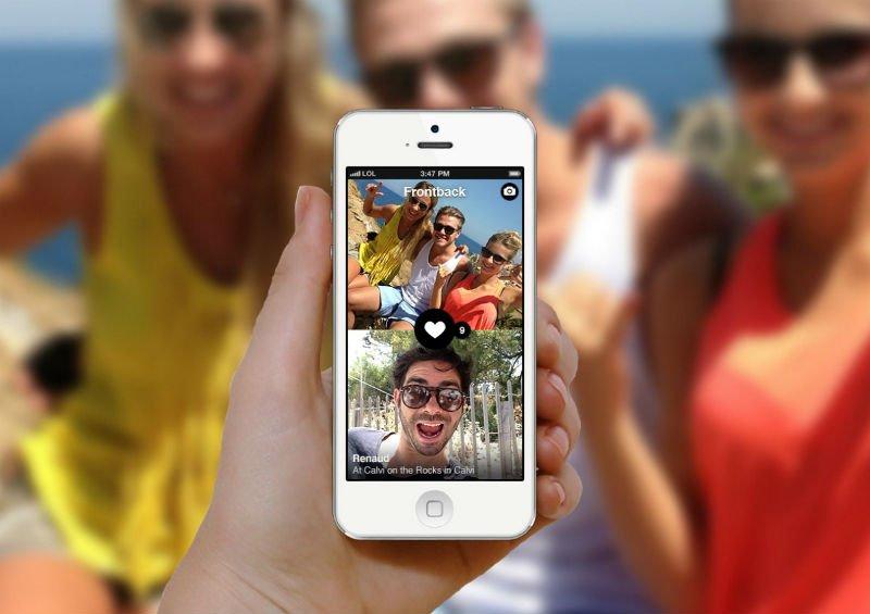 iOS ve Android için çift yönlü çekim yapan bir selfie uygulaması: frontback