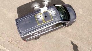 Mercedes-Benz Zürih'te drone ile ürün teslimatını tanıttı