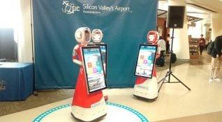 Robotlar havalimanında yolculara müşteri desteği vermeye başlıyor