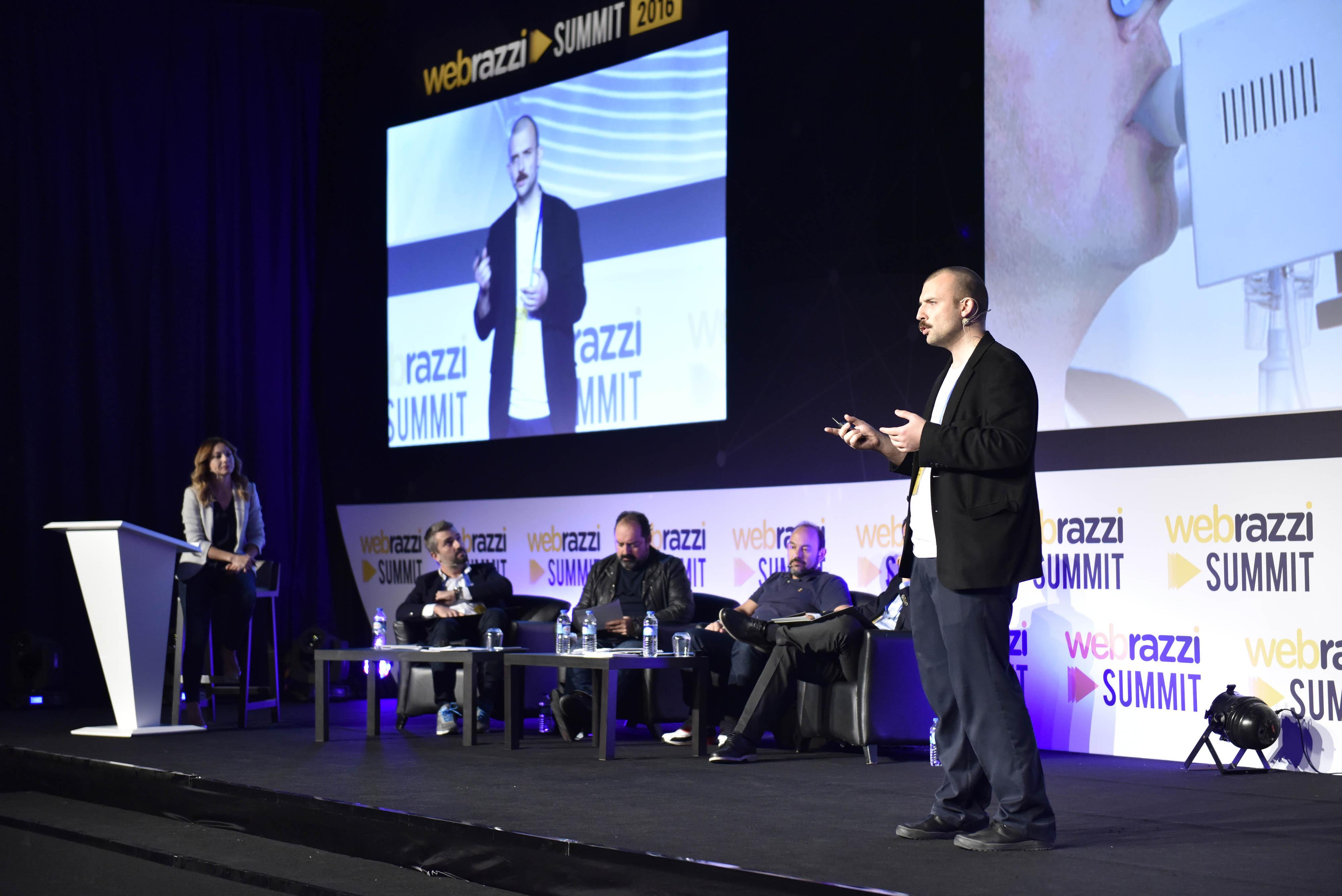 Spirohome kurucu ortaklarından Merthan Öztürk'ün Webrazzi Arena sunumundan bir kare