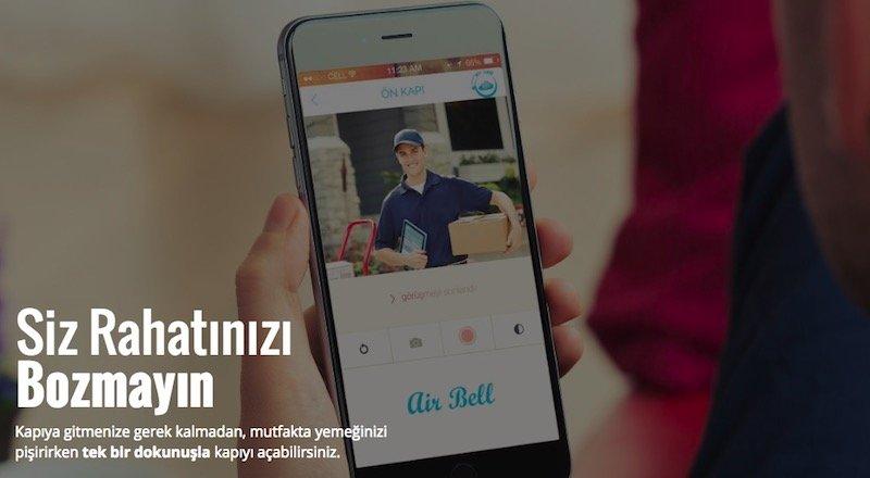 Türkiye'de geliştirilen akıllı kapı zili Airbell, kapınıza gelenlere akıllı telefonunuzdan bağlanmanızı sağlıyor