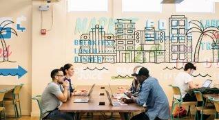 Softbank, paylaşımlı ofis girişimi WeWork için beklenen yatırımını 4 milyar dolara çıkarabilir