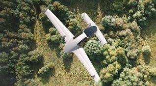 Dikey kalkış yapan elektrikli Lilium Jet ilk uçuşunu yaptı