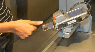 Mastercard parmak izi okuyuculu kredi kartını tanıttı