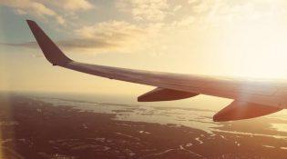 ABD uçuşlarda laptop yasağını kaldırmaya başlıyor