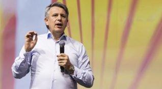 Shell CEO'su bir sonraki otomobilinin elektrikli olacağını açıkladı