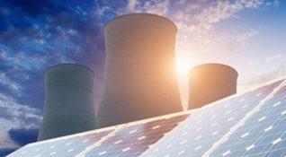 Güneş enerjisi panellerinin enerji üretim kapasitesi nükleer tesisleri geçiyor