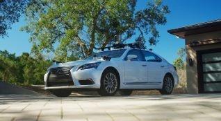 Toyota yenilenen otonom aracı Lexus LS 600hL'ı test etti