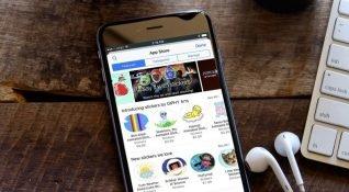 Apple bazı yazılımcılara başka uygulamaların reklam harcama ve indirme detaylarını gönderdi
