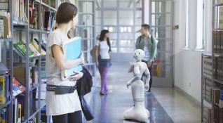 Softbank'ın insansı robotu Pepper, chatbot entegrasyonuna kavuşuyor