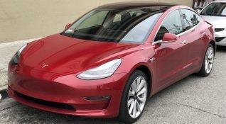 Tesla, Model 3'ün üretimine ara veriyor