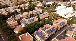 Kaliforniya'da yeşil enerji dönemi: Tüm yeni evler güneş enerjisi ile çalışabilir