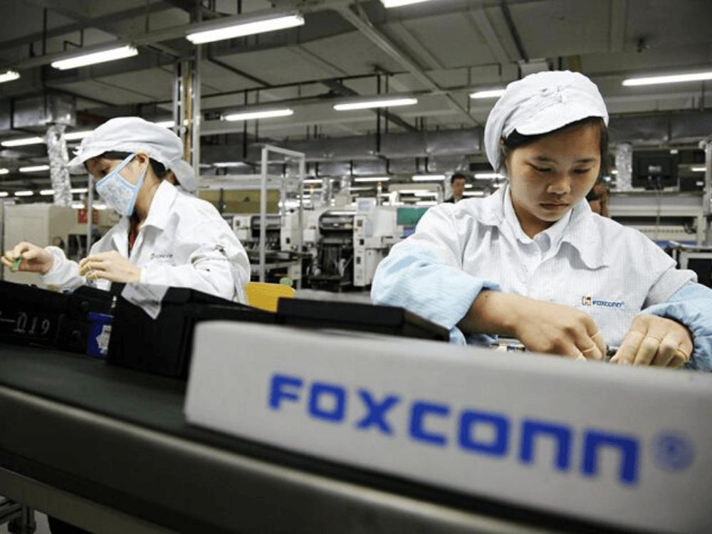 """Foxconn, iPhone üretimine devam edebilmek için """"SARS kahramanı""""  ile anlaştı"""