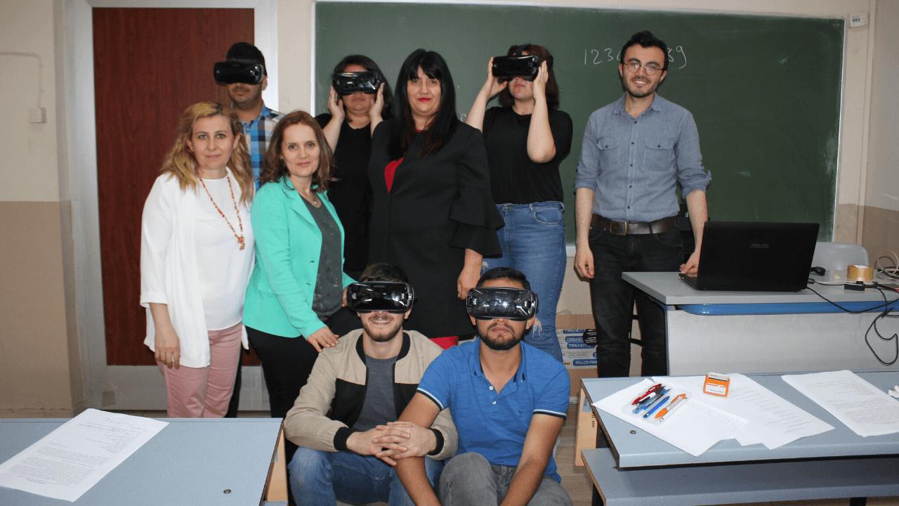 Radyoloji ile sanal gerçekliği buluşturan girişim: Radyoloji Eğitiminde Sanal Gerçeklik